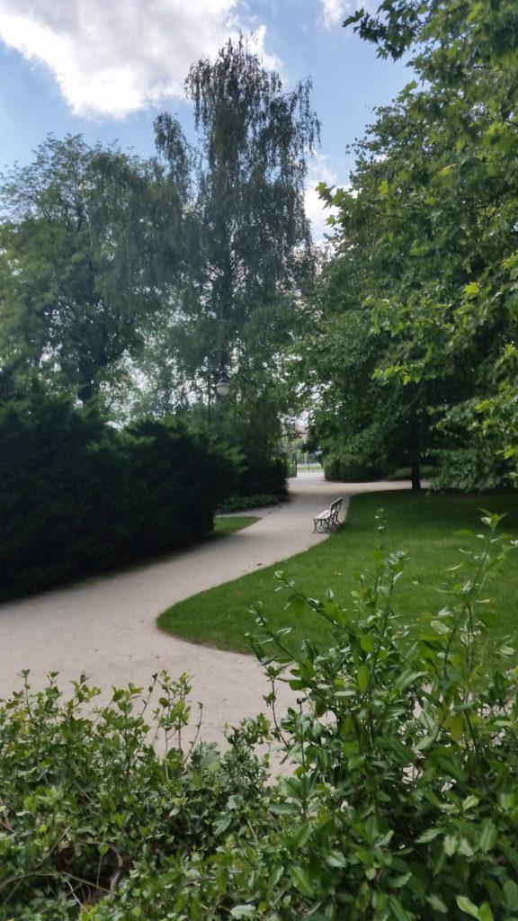 Парк Уяздовский,красивый,чистый,спокойный-1