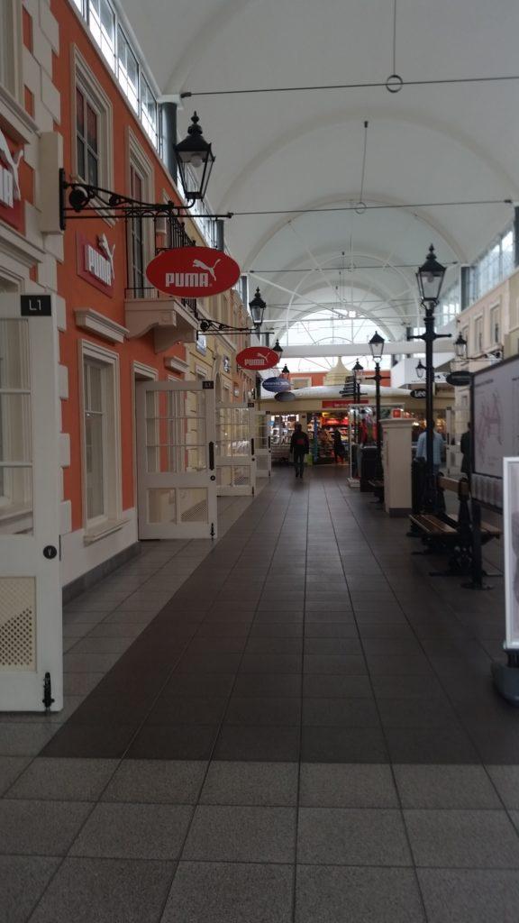 DESIONER OUTLET WARSZAWA ul. Pulawska 42 E отличный торговый комплекс-12