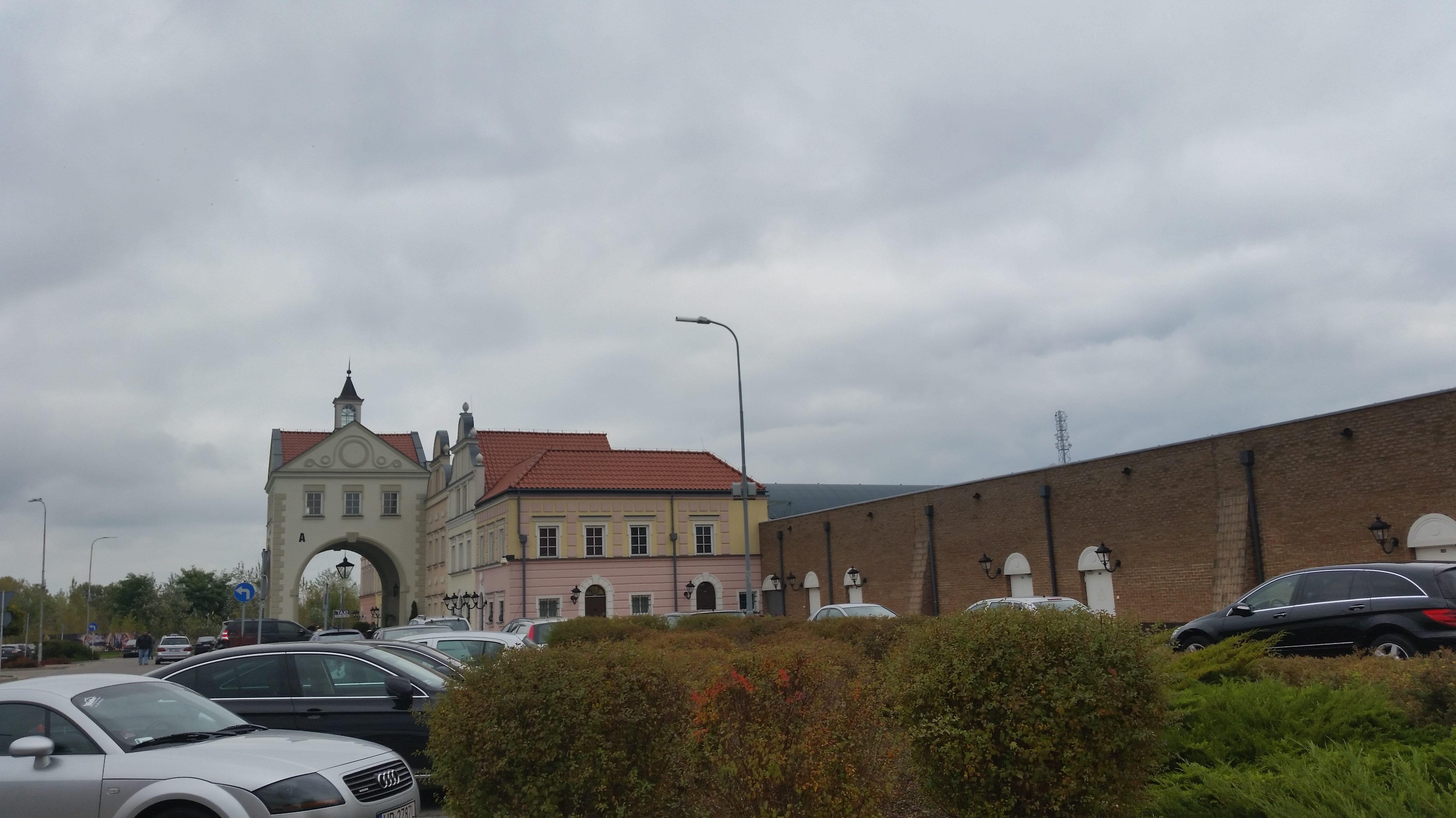 DESIONER OUTLET WARSZAWA ul. Pulawska 42 E отличный торговый комплекс
