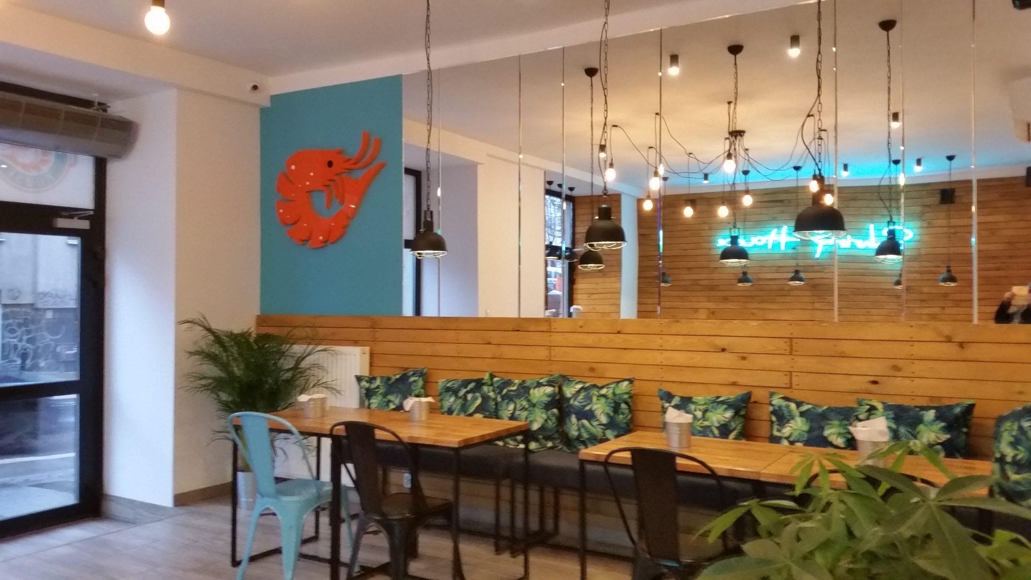 Pierwszy w Polsce bar krewetkowy,znajduje się przy ulice Tamka 47 w Warszawie.