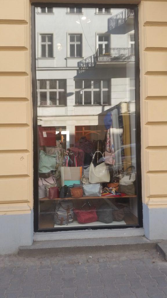 5 oryginalnych sklepów-w-centrum -warszawy-5
